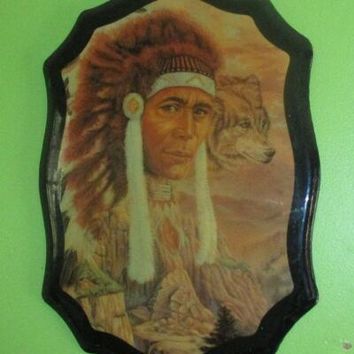 Lot 17 - Native American Wall Décor