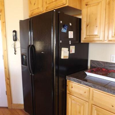 LOT 1 2003 FRIGIDAIRE SIDE BY SIDE REFRIGERATOR WITH ICEMAKER
