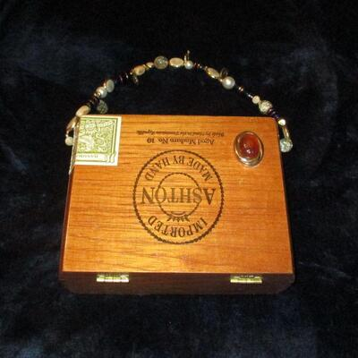 Lot 11 - Wood Cigar Box Purse