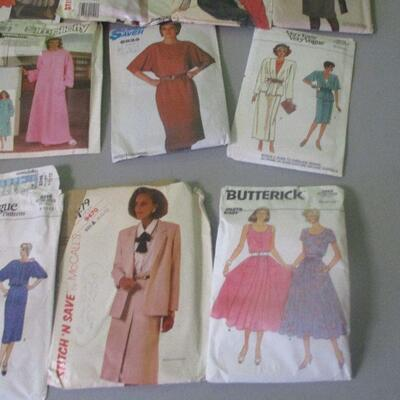 Lot 10 - Vintage Clothes Patterns