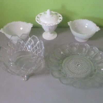 Lot 15 - Mixed Glass Lot
