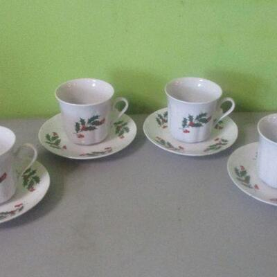 Lot 29 - Apulum of Romania Cups and Saucers