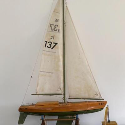 104 Wooden Remote Control Boat Model