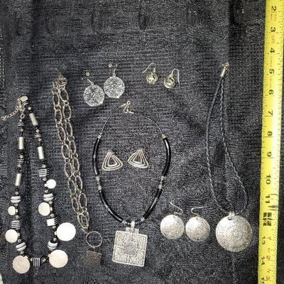 Costume Jewelry Lot (#7) - 4 necklaces (one is Chico's Chicos) and 4 pair of Earrings