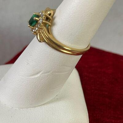 #5 Gold Emerald Surrounded by diamonds 14K 2.9g sz -6-1/2