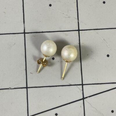 #8 Pearl Earrings 14K Posts 1.3 g