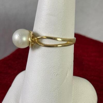 #14 14K Gold Ring with Solitaire Peal 2.2 g Sz 7