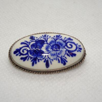Gorgeous Delph Porcelain Oval Brooch, Blue & White