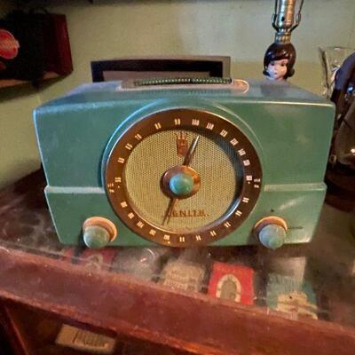 Vintage Tube driven green console radio