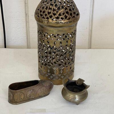 Lot 11 Brass Collectibles