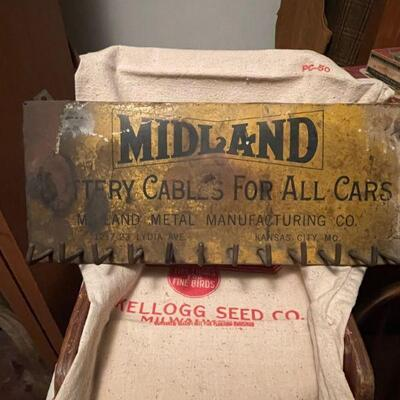 MIDLAND  battery cable store display