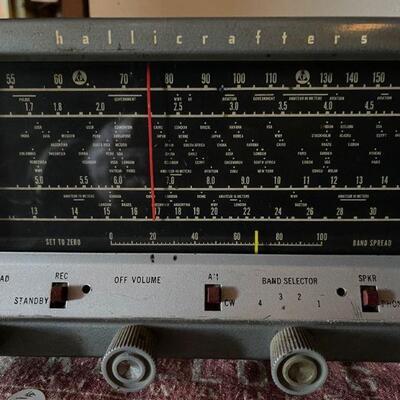 Hallicrafters S-E38 Tube driven Shortwave Radio