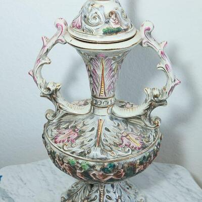Capodimonte Double-handled Urn with Cherub On Top Italy YD#022-0006