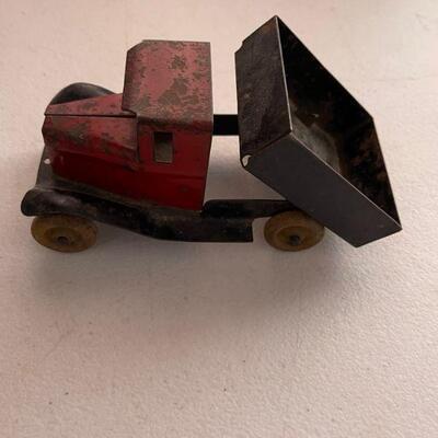 Antique metal dump truck
