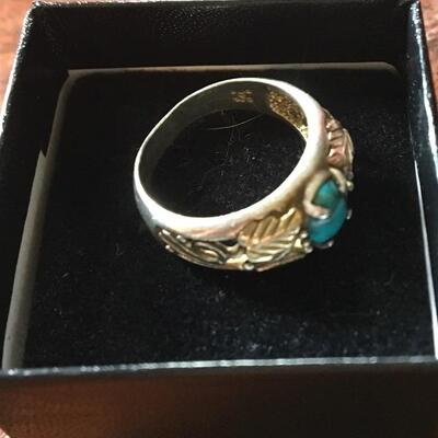 Sterling and Turquoise Vintage Ring. Size 7.5