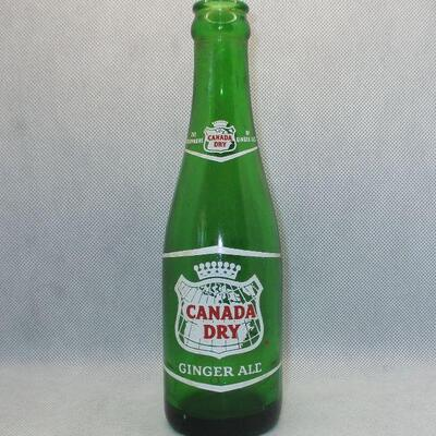 Lot 6 - 7 oz Canada Dry Soda Bottle