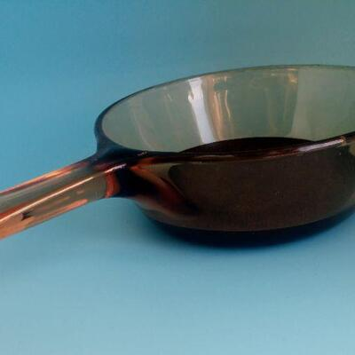 Lot 12 Vision Corning ware Cranberry Pans
