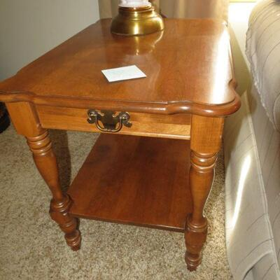 Ethan Allen Lamp Table Side End Table 27 X 19 Item # 2