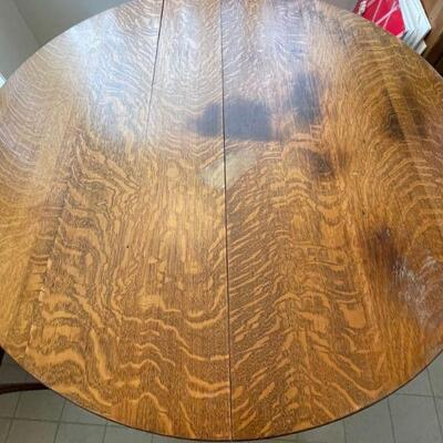 Round Oak Claw Foot Dining Table