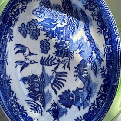 Moriyama Blue Willow platter