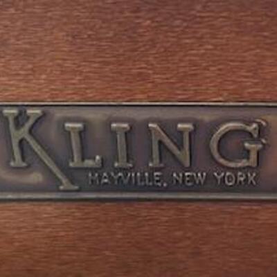 LOT#3MB1: Kling Mahogany Dresser w/ Glass Top & Beveled Wall Mirror