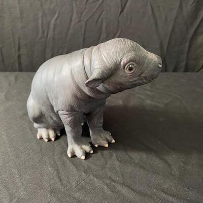 LOT#20MB1: Lenox Pigmy Hippo