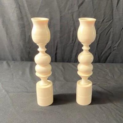 LOT#26MB1: Ivory Candle Sticks (FL ID REQ)