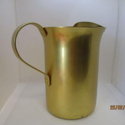 Lot 4 - Aluminum Water Pitcher w/Ice Lip