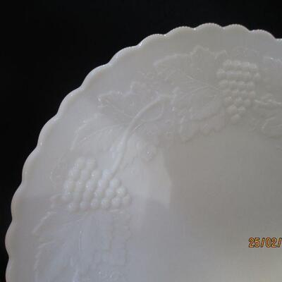 Lot 7 - Imperial Glass Vintage Grape Luncheon Plates