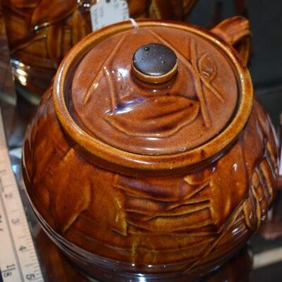 1950 McCoy Bean Pot w/Lid