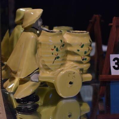1950 McCoy Yellow Chinaman w/Barrow