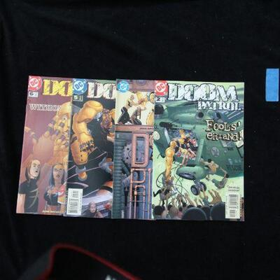 Doom Patrol Lot containing 4 issues. (2001,DC)  9.0 VF/NM