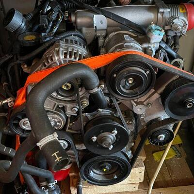 New Land Rover V8 crate motor