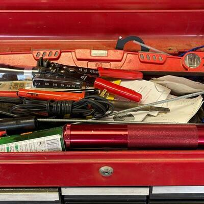 Craftsman tool chest / full of tools