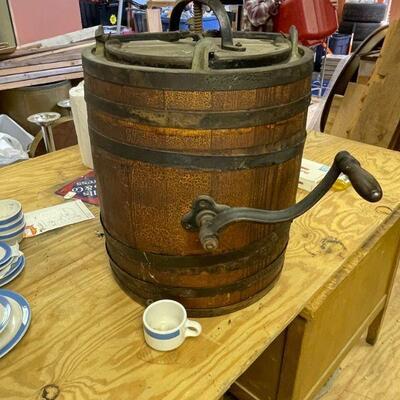 Standard Churn Company Antique churn