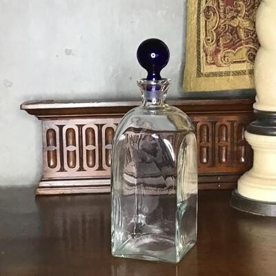 127 - Square Glass Liquor Decanter
