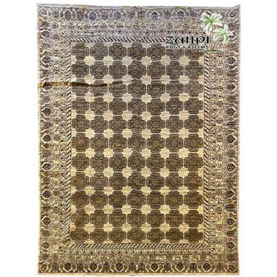 Pakistani traditional wool rug size 8'8