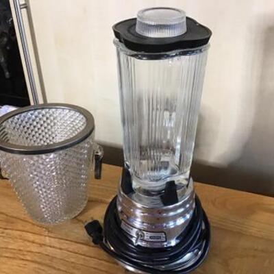 K118 - Waring Commercial Blender + Glass Ice Bucket