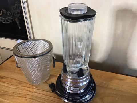 Blender has a glass container and it was not tested.