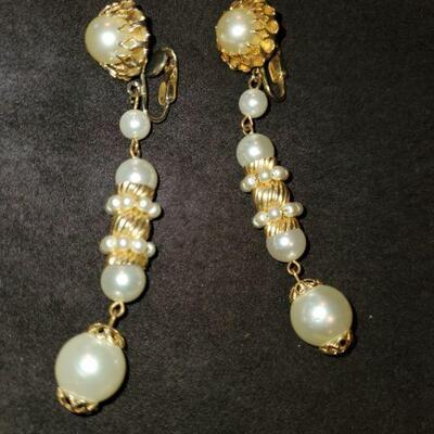 Vintage Pearl Dangle earrings