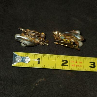 Vintage Bee Earrings