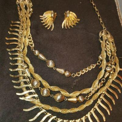 Gold Tone Necklace and Earrings