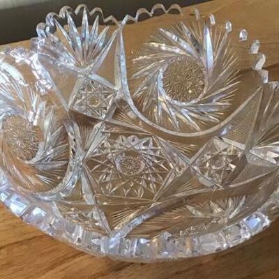 K131 - Silver Plate Cruet Set, Cut glass Bowl & 7 Salad Plates