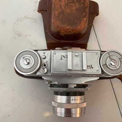 Voighlander 35mm camera / case