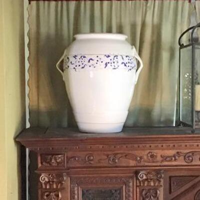 K175 - Smith & Hawkins Pottery Urn  #1