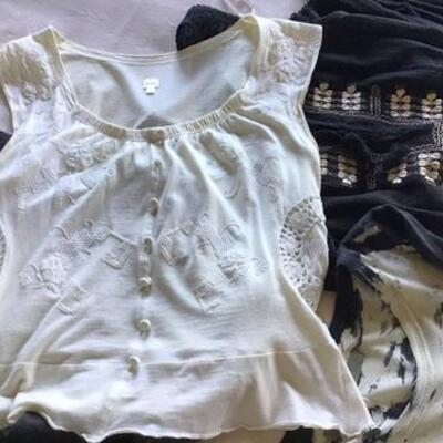 C101 -12 pc. Clothing Lot - Mostly Sleeveless Tops Sz. 2, XS, and S