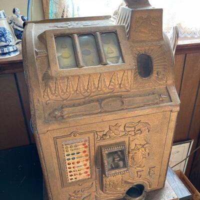 1910 US Novelty 5c Bell-Fruit-Gum slot machine
