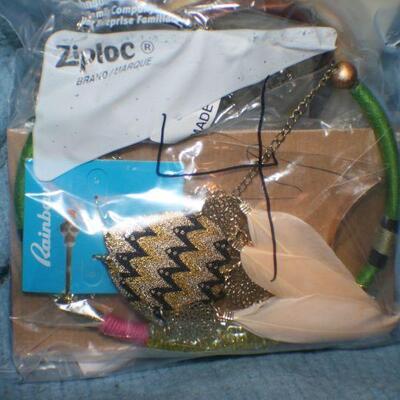Quart Size Ziplock Bag of Jewelry -4