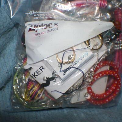 Quart Size Ziplock Bag of Jewelry -5