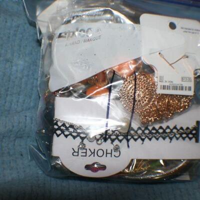 Quart Size Ziplock Bag of Jewelry -11